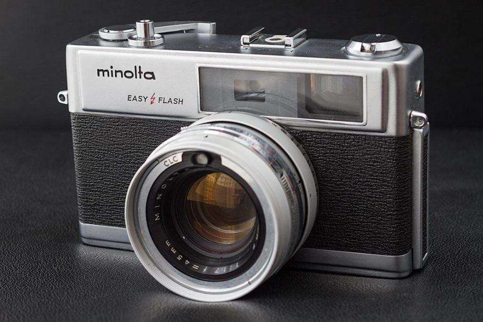 Appareil photo argentique Minolta Hi-matic 9