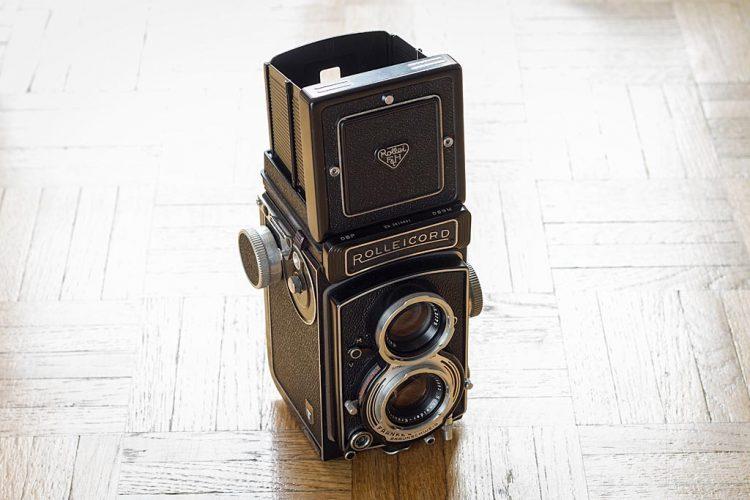 Appareil photo argentique moyen format 6x6 Rolleicord