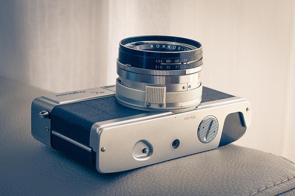 Il est beau sous tous les angles ce Minolta Hi-Matic 7S