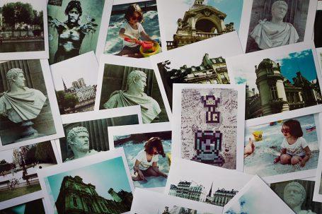 Photos développées en traitement croisé. Tirages de lecture.