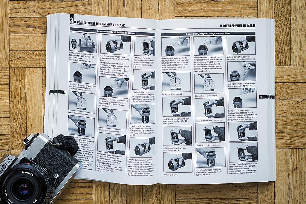 Le livre est parsemé de pas à pas illustrés qui sont autant de guides pratiques fort utiles pour découvrir les étapes du développement, apprendre à réaliser une planche contact, etc…