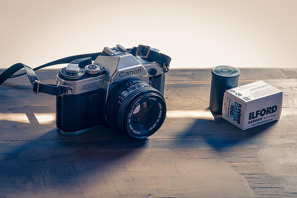 Le Canon AE1 fait partie des appareils photos argentiques recherchés.