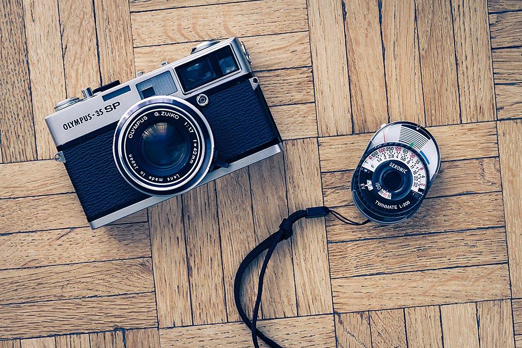 Mon posemètre m'apporte une aide cruciale quand je photographie avec des appareils dont la cellule ne fonctionne plus.