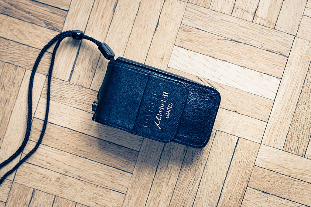 Le Mju II, très compact, vous offre la possibilité d'emmener partout un appareil argentique d'excellente qualité.